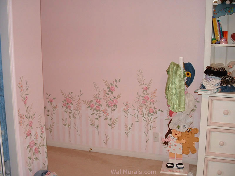 Picket Fence and Flower Mural in Girls Bedroom