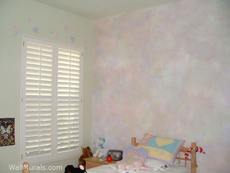 Faux Accent Wall in Girls Bedroom