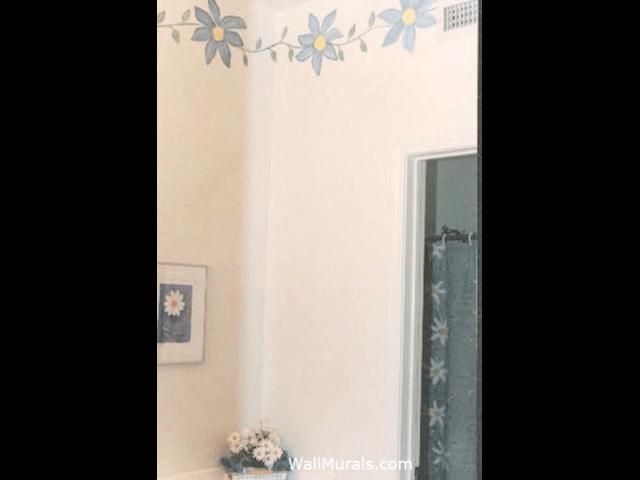 Blue Daisy Bathroom Border