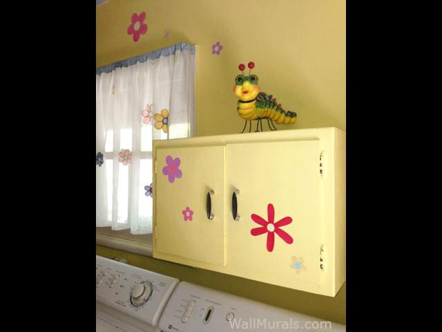 Daisy Laundry Room Mural