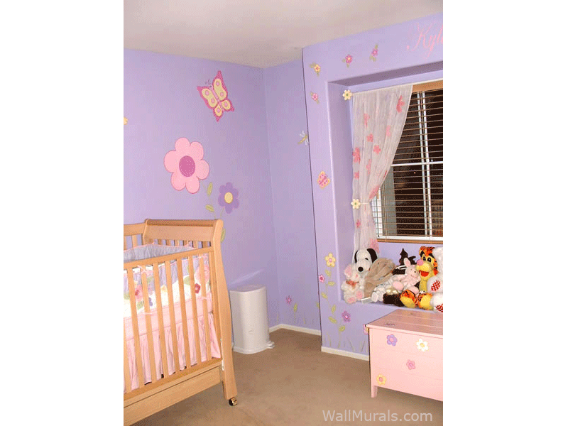 Daisy Wall Mural in Nursery